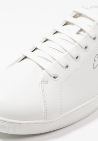 Emporio Armani - Sneakers basse - optical white - 5