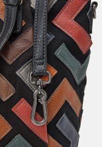 SURI FREY - CILLY - Tote bag - black - 3