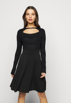 TEXTURE CUT OUT NECK BODY - Jumper - black