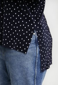 Simply Be - PLISSE STEPPED HEM - T-shirts med print - navy - 5
