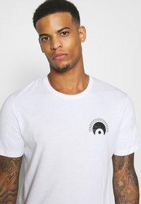 YOURTURN - UNISEX - T-shirt print - white - 3