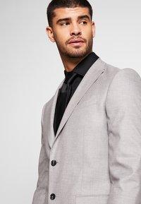 Bertoni - DREJER JEPSEN SUIT - Suit - light grey - 7