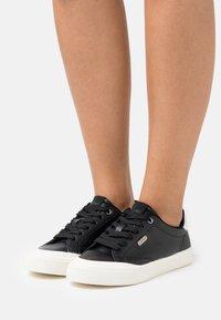 Esprit - SIMONA  - Sneakers laag - black - 0