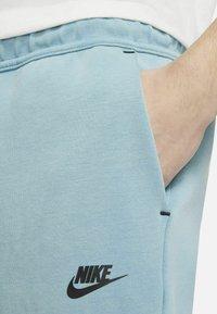 Nike Sportswear - Shorts - cerulean/black - 4