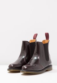 Dr. Martens - FLORA CHELSEA BOOT ARCADIA - Stiefelette - rot - 4