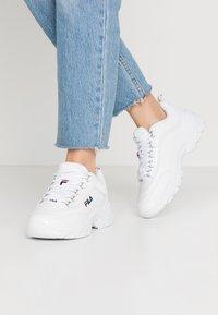 Fila - STRADA - Sneakersy niskie - white - 0