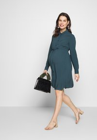 MAMALICIOUS - MLLOUISA DRESS - Jerseyjurk - orion blue - 1