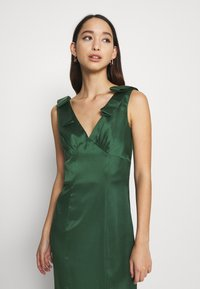 Chi Chi London - PAOLA DRESS - Cocktail dress / Party dress - green - 3