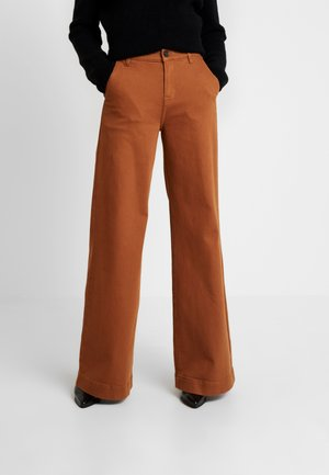 KERSEE FRENCH ANTIQUE - Flared Jeans - brown