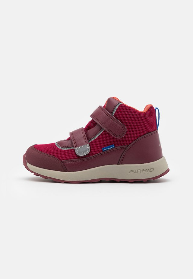 KULKU UNISEX - Hikingsko - persian red/cabernet