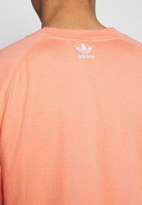 adidas Originals - TREFOIL TEE - T-shirt imprimé - chacor - 5