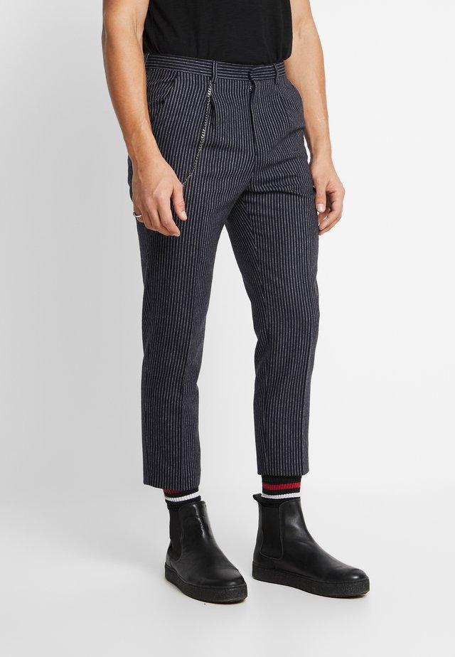 BRIGG TROUSER - Spodnie materiałowe - navy