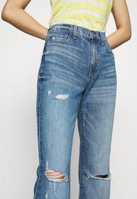 Ética - NINA - Flared Jeans - destroyed denim - 6