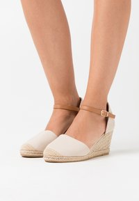 Dorothy Perkins - RAGE - Loafers - cream - 0