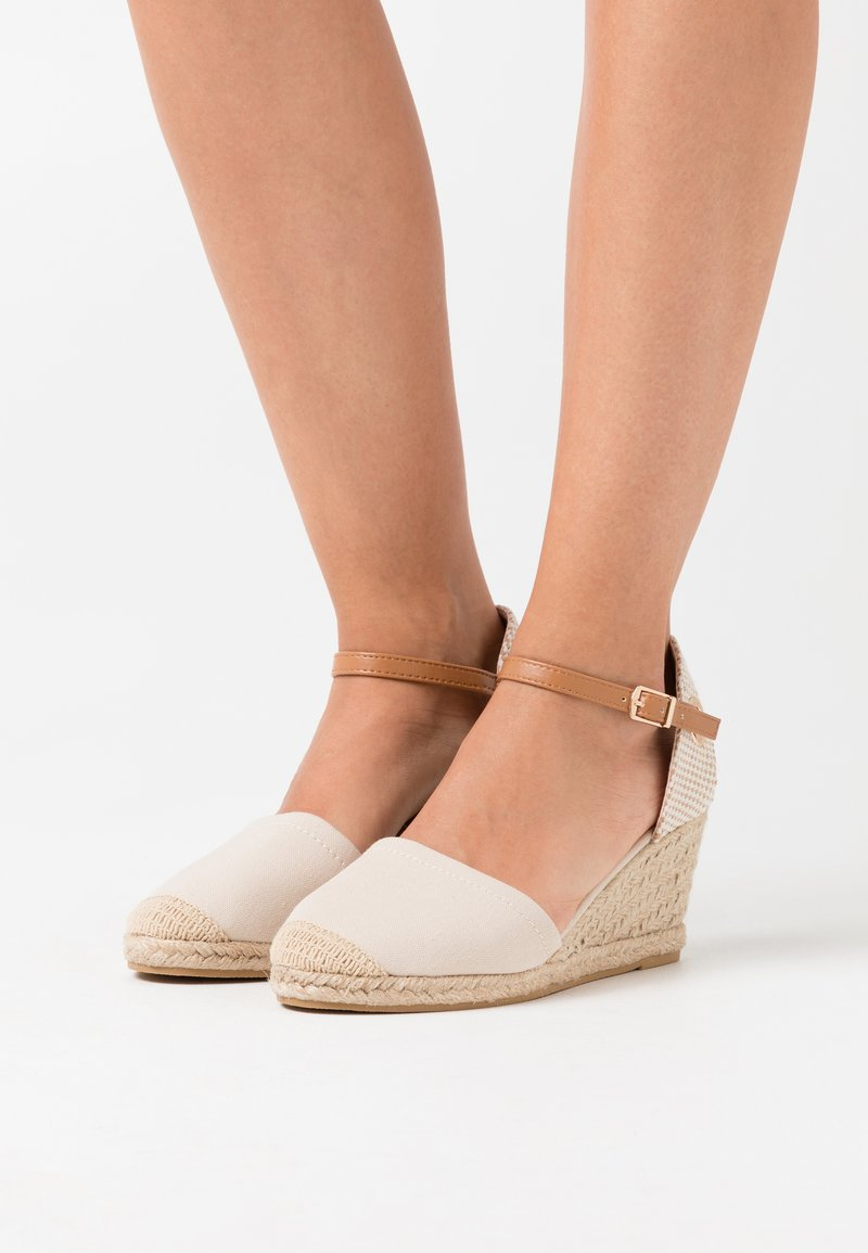 Dorothy Perkins - RAGE - Loafers - cream