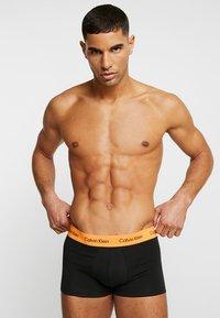 Calvin Klein Underwear - LOW RISE TRUNK 3 PACK - Onderbroeken - multi - 1