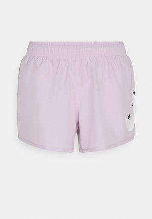 RUN SHORT - Pantalón corto de deporte - iced lilac/white