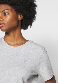 GANT - THE ORIGINAL  - Basic T-shirt - light grey - 5