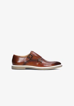 BENITO - Smart slip-ons - Brown