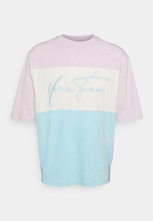UNISEX - Print T-shirt - lila