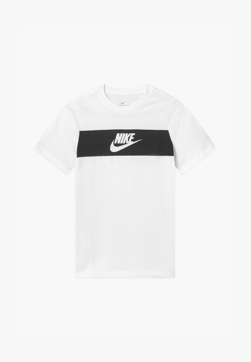 Nike Sportswear - TEE CHEST PANEL - T-shirt print - white