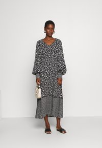 Culture - CUNANCY DRESS - Day dress - black - 1