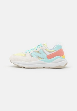 W5740 - Sneakers laag - white