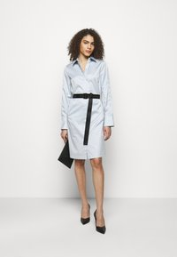 KARL LAGERFELD - CHINTZ SHIRT DRESS - Shirt dress - artic ice - 1