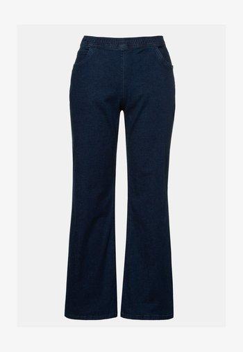 WEIT  - Flared Jeans - darkblue