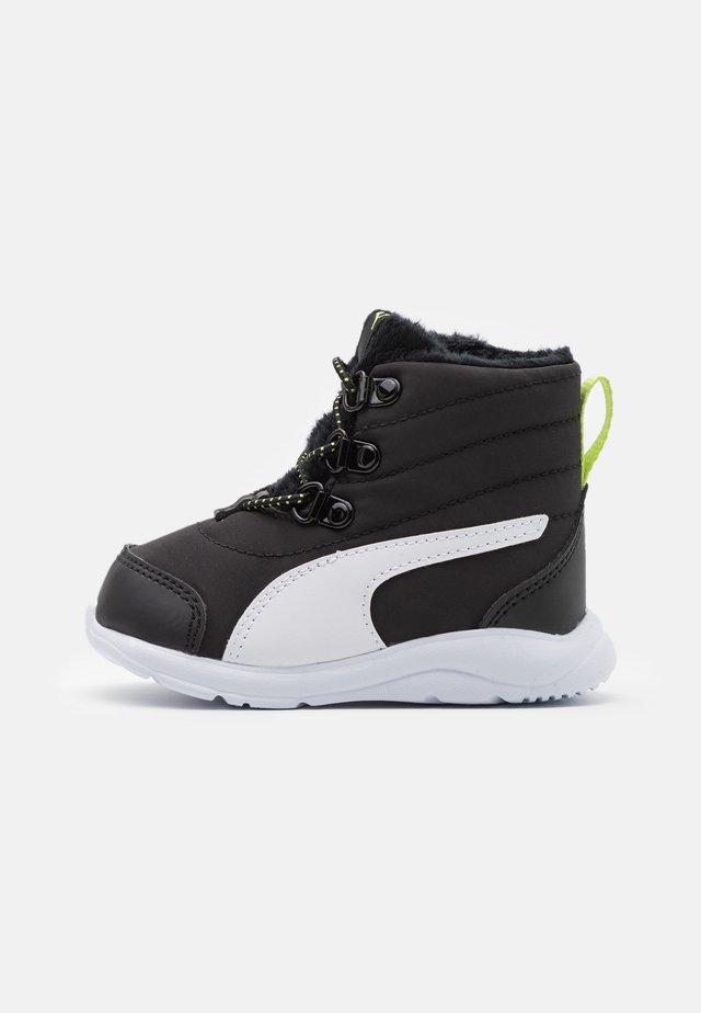 FUN RACER BOOT UNISEX - Zimní obuv - black/white