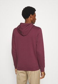 TOM TAILOR - HOODIE WITH PRINT - Hoodie - dusty wildberry red - 2