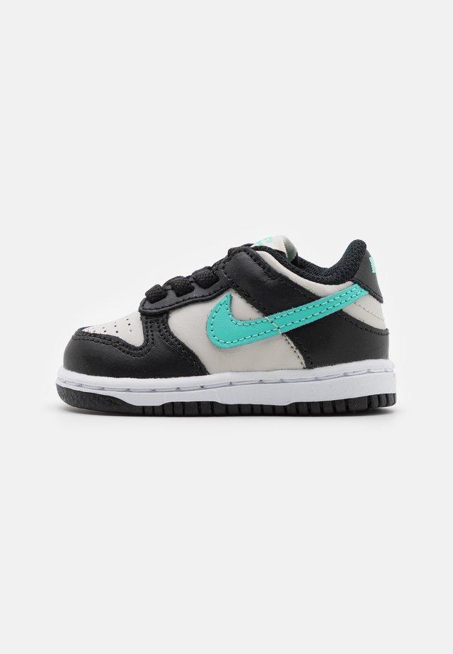 DUNK  - Sneakers laag - light bone/tropical twist/black/white