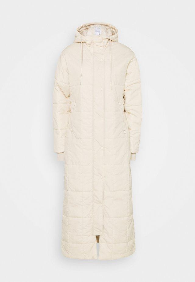 QUILTED PUFFER LONG COAT - Abrigo - beige