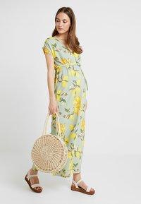 MAMALICIOUS - MLLEMON DRESS - Vestido largo - frosty green/lemon - 1