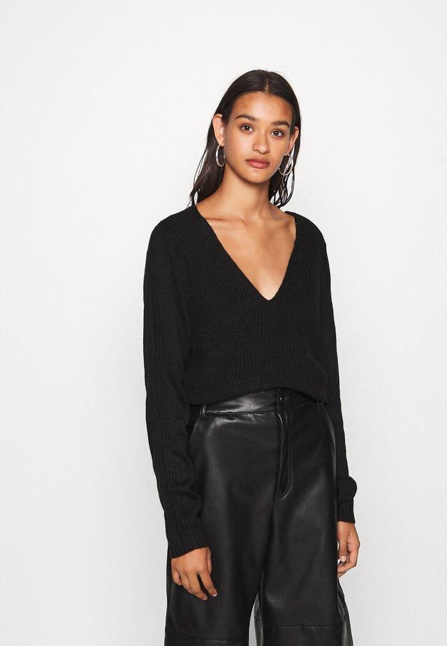 VIOA  - Pullover - black