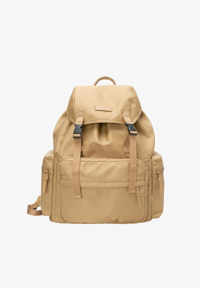 BACKPACK - Rucksack - soaked sand
