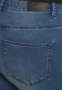 Vero Moda Curve - VMLUDY - Jeggings - medium blue denim - 4