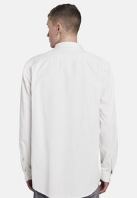 TOM TAILOR DENIM - MIT BRUSTTASCHE - Shirt - washed white - 2