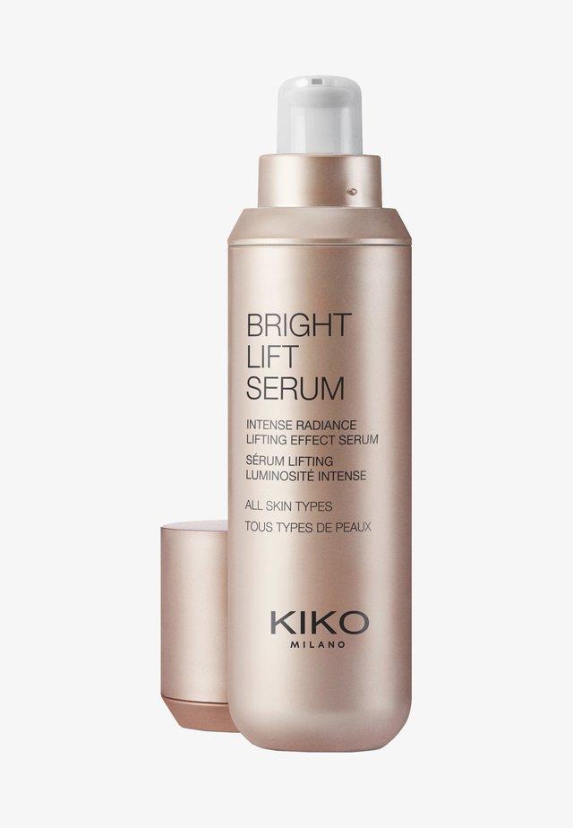 BRIGHT LIFT SERUM - Serum - -