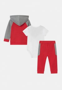Guess - BABY SET UNISEX - Tuta - red - 1