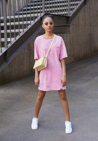 Von Dutch - KENDALL - Jersey dress - pink - 1