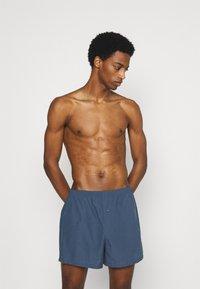 Pier One - 5 PACK - Boxer shorts - dark blue/blue - 0