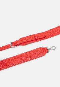 HVISK - BLAZE CROCO - Handbag - orange red - 3