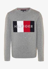 Tommy Hilfiger - LOGO - Svetr - grey - 0