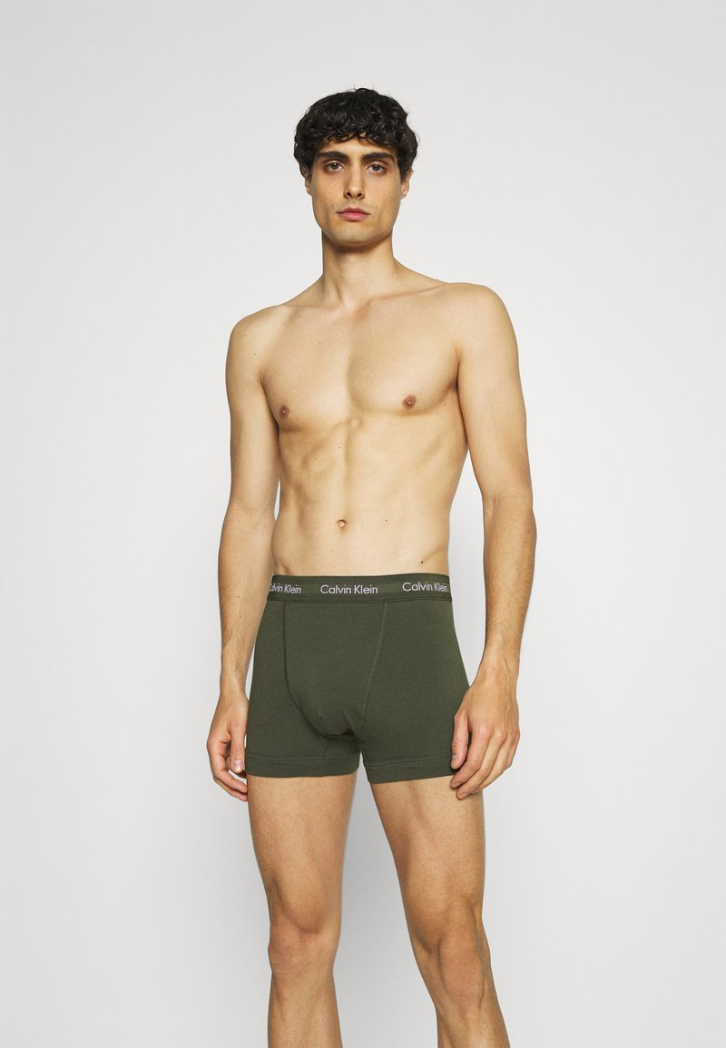 Calvin Klein Underwear - TRUNK 3 PACK - Pants - green
