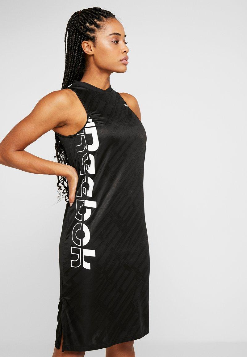 Reebok - WOR DRESS - Vestido de deporte - black