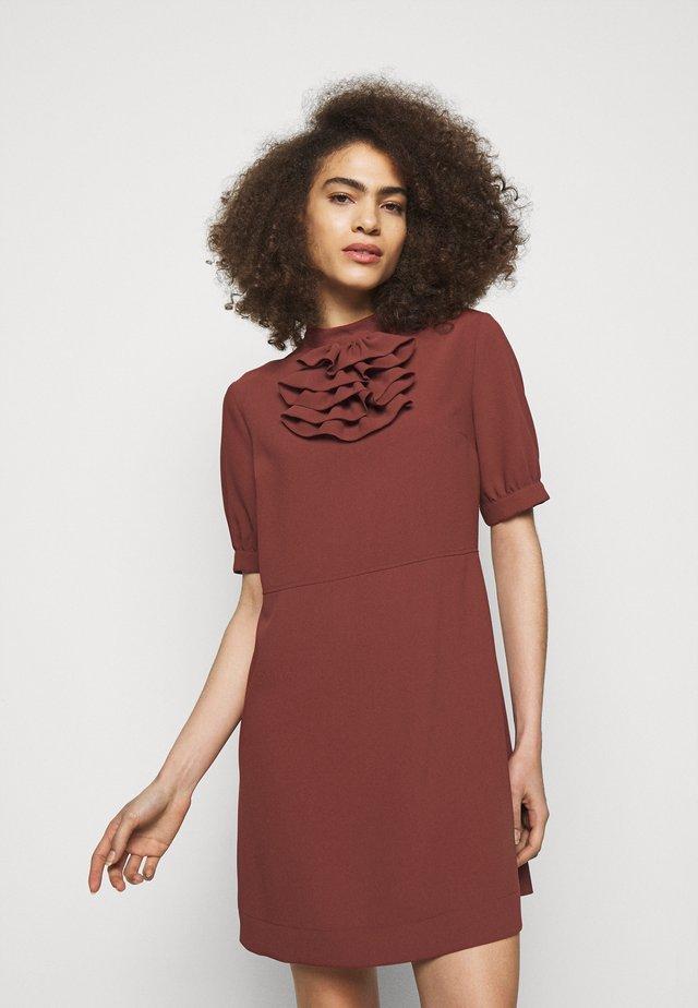 Korte jurk - blushy tan