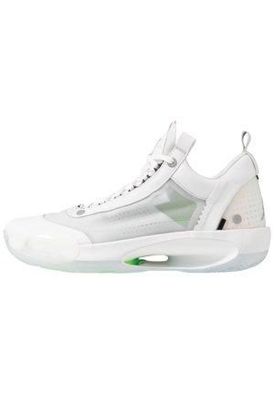 AIR XXXIV LOW - Koripallokengät - white/metallic silver/pure platinum/electric green