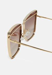 Alexander McQueen - Sunglasses - gold-coloured/brown - 3