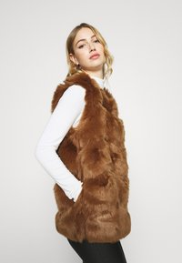 Missguided - GILET - Waistcoat - brown - 3